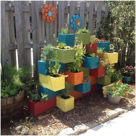Vertical Garden The Block Vertical Garden From Cinder Blocks Diy Projects For