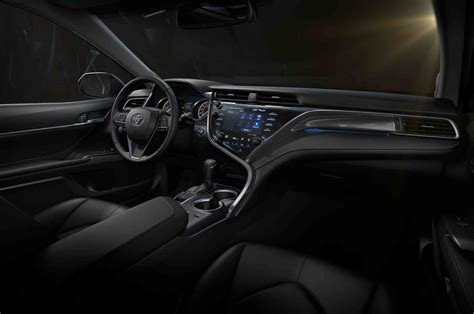 toyota camry 2017 interior refreshing or revolting 2018 toyota camry motor trend