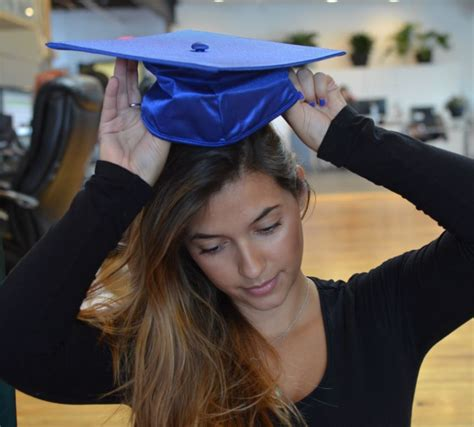 hairstyles to wear under graduation cap how to wear a graduation cap with short hair short