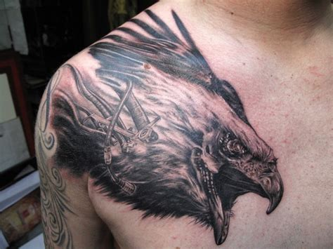 tattoos of eagles eagle wings shoulder www imgkid the image