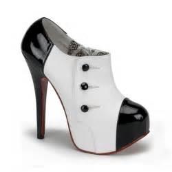 beautifull black cool high heels image 435797