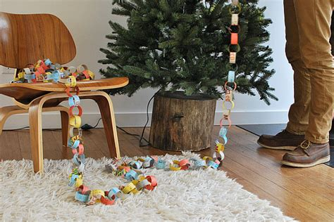 diy rustic christmas tree stand brings an eco friendly