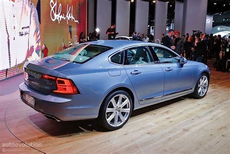 volvo launches its s90 flagship sedan at 2016 detroit auto
