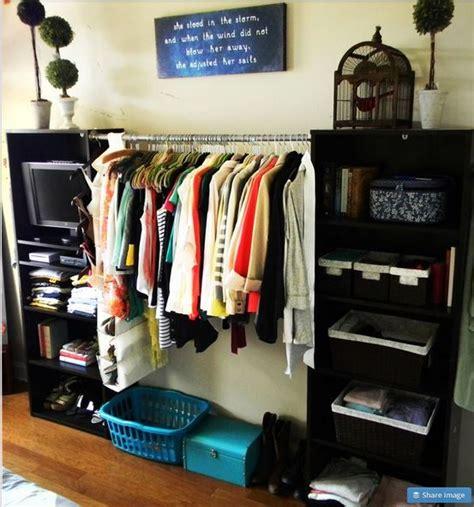 bedroom with no closet organizar ropa sin closet ideas para el hogar