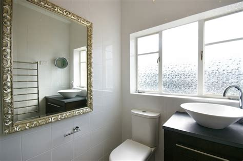 Classic Retro Designer Bathrooms, Sydney Northern Beaches   See Photos!