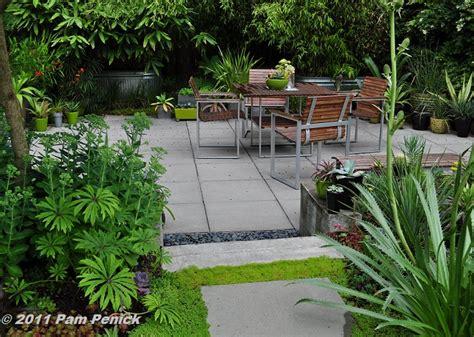apartment patio garden ideas photograph all year imo ideas