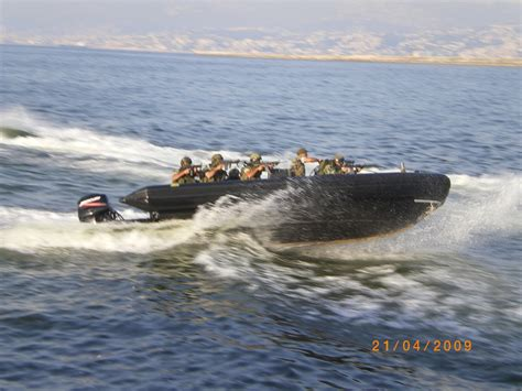 zodiac boat license file lebanese soldiers on a zodiac boat jpg wikimedia