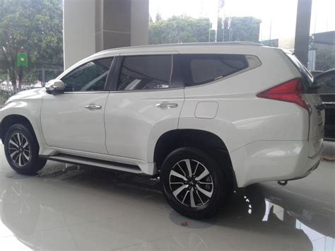 Mobil All New Pajero Sport mitsubishi all new pajero sport 4x2 a t promo 2017