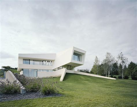 home architecture futuristic villa in vienna