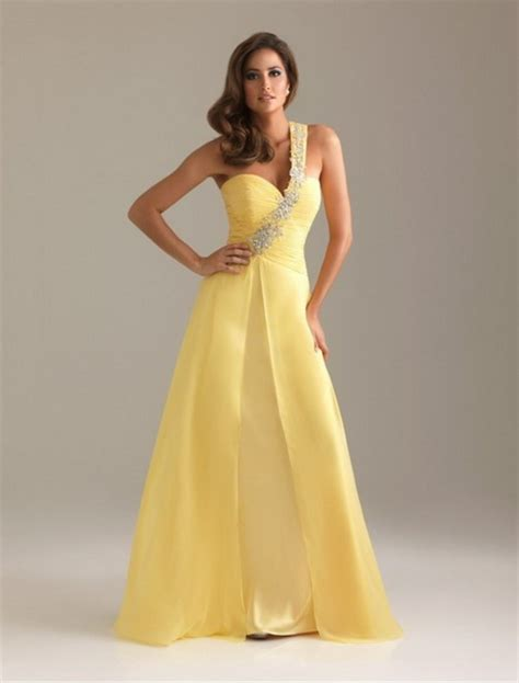 hairstyles to wear with evening gowns prom hairstyles for one shoulder dresses