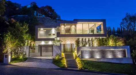 Modern Mansions by Casa Moderna En Las Colinas De Hollywood Los 193 Ngeles