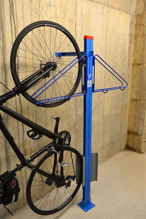 Wall Rack For Bikes by Bike Wall Rack Cyclesafe