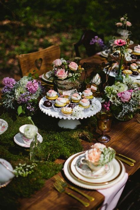 Enchanted Forest Table Decorations by 25 Best Ideas About Enchanted Forest Theme On