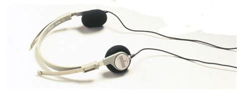 Headset Sony Ericsson Walkman Original Retro Thing Sony Walkman Turns 30 Feels A Bit Overweight