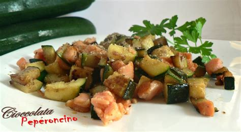 cucinare il salmone in padella salmone in padella con zucchine cioccolata e peperoncino
