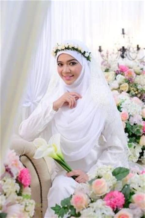 hiasan hijab pengantin  bagus  dikenakan