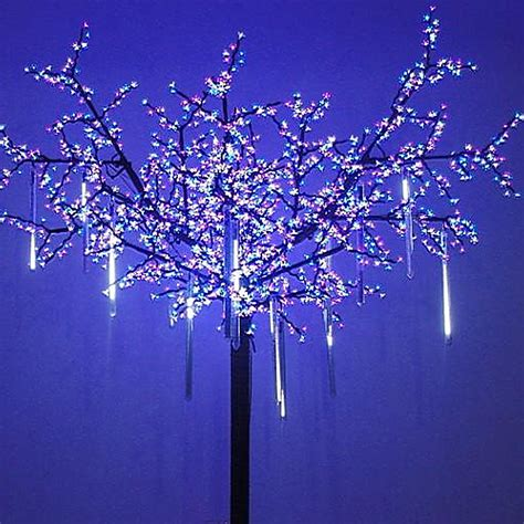 cascading icicle string lights best lights you can get to put up light display