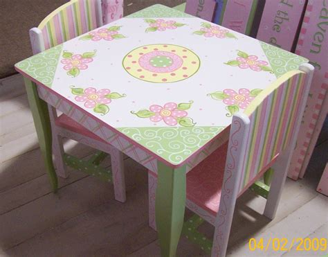 Petal Cottage Table And Chairs Set by New5petaltableandchairset