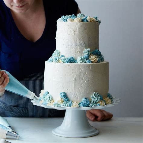 Wedding Cake Assembly by 25 Best Ideas About Wedding Cake Assembly On