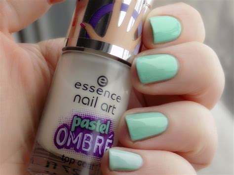 Essence Nail Pastel Ombre