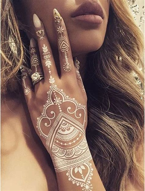 where do you get a henna tattoo 25 best ideas about indian henna designs on