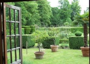 landhaus garten landhausgarten terrasse gem 252 segarten terrassengestaltung ideen