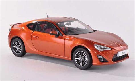 Welly Toyota 86 Orange toyota 86 2012 gt86 orange century coches