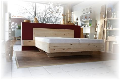 moderne nachtkästchen brotkasten zirbenholz nachtk stchen zirbe quot gerti