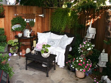 Garden Patio Ideas On A Budget 10 Favorite Rate My Space Outdoor Rooms On A Budget Outdoor Spaces Patio Ideas Decks