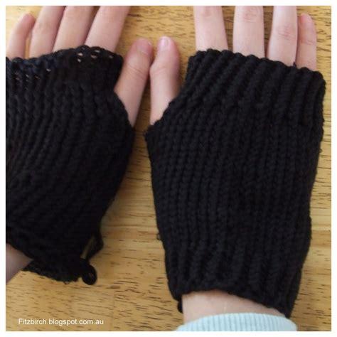 loom knitting fingerless gloves darkest fingerless gloves allfreeknitting