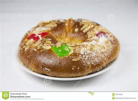 typischer spanischer kuchen kuchen mit drei k 246 nigen stockfoto bild 49453326