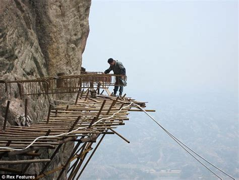7 Unsafe Places For by Stuff For Great World S Dangerous Places To