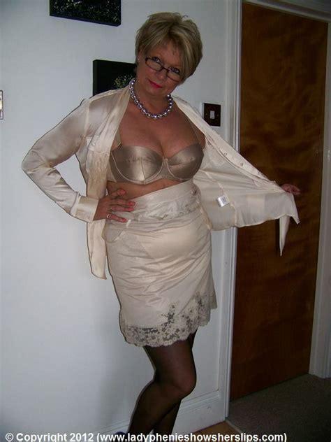 grandmothers wearing girdles 126 best slips images on pinterest petticoats under