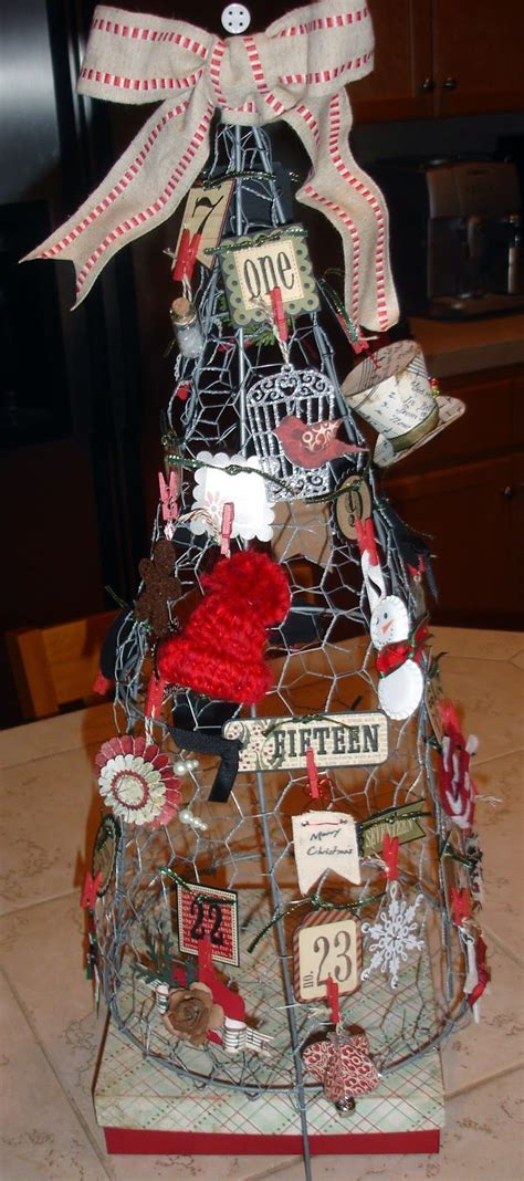 how to display christmas ornaments at fair tomato cage with chicken wire shaped into a tree for craft fair table display chicken coops
