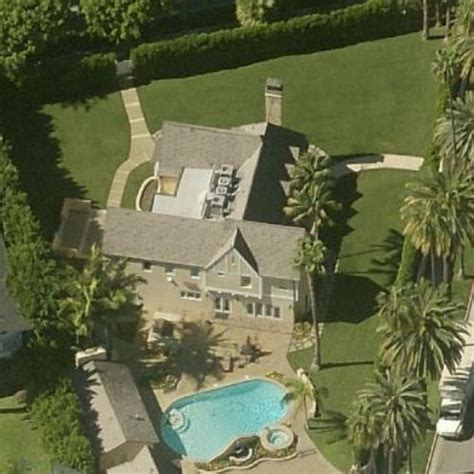 donald trumps house donald s house in beverly ca