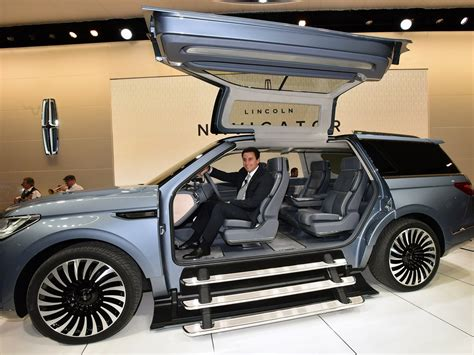 lincolns yacht sized concept suv   closet  staircase wired
