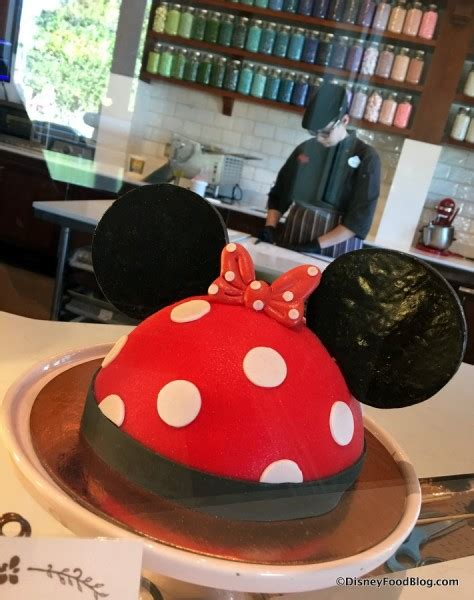 news amorettes  host cake decorating classes  disney springs  disney food blog