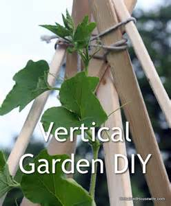 Vertical Vegetable Garden Diy Build A Vertical Gardening Teepee Diy