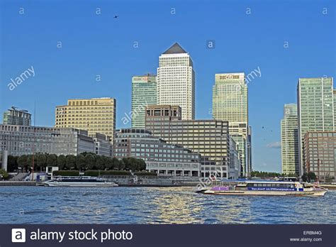 Thames River Cruise Canary Wharf | view of canary wharf river boat station across the river
