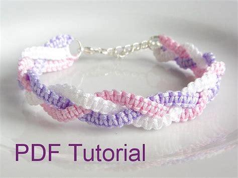 pdf tutorial alternating square knot macrame bracelet 17 b 228 sta bilder om diverses creations p 229 pinterest