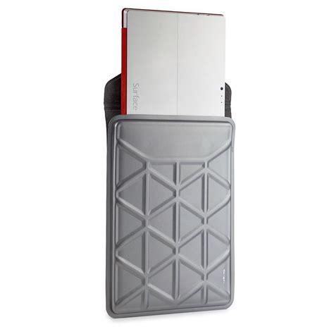 Targus 13 13 3 Inch Laptop Edge Canvas Sleeve Olive Tts00105ap 1 pro tek 13 3 inch laptop sleeve silver