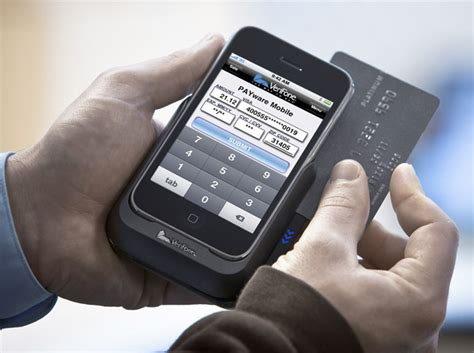 mobile phone pos verifone payware mobile makes iphone a pos machine