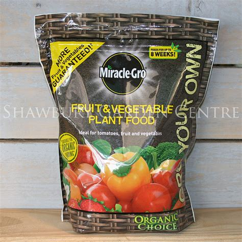 miracle gro organic choice fruit vegetable plant feed 1 miracle gro organic choice fruit vegetable plant food 1