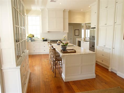 Kitchen Island With Bench by Craig Madders Moden Americian Style Kitchen