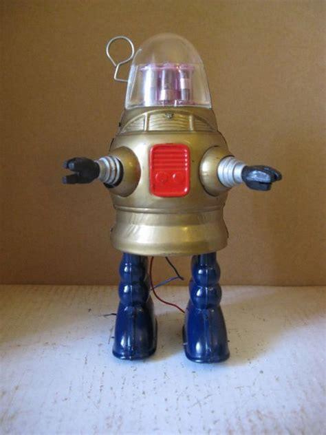 robot pug 1950 s piston robot aka pug robby nomura japan tin toys battery operated