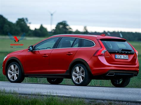 what country does volvoe from does volvo really need a v60 cross country