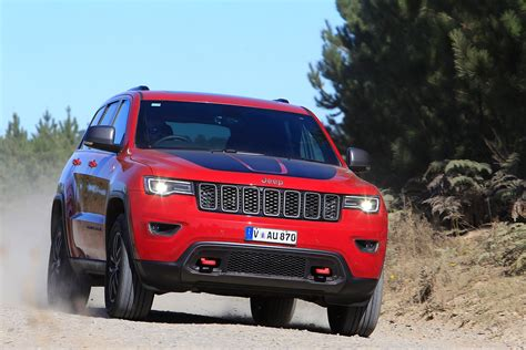ford jeep 2017 2017 jeep grand cherokee trailhawk vs 2017 ford everest