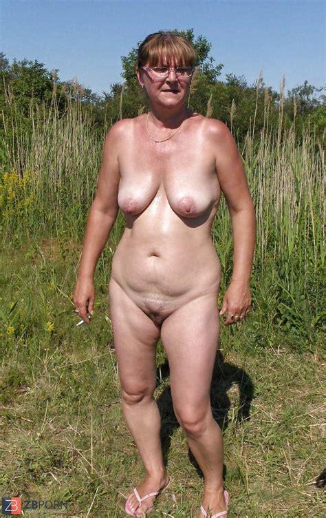 Mature Granny Naturist ZB Porn