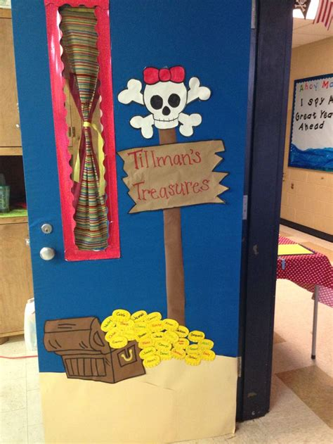 pirate themed classroom decorations best 25 pirate door ideas on pirate bulletin