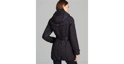 burberry finsbridge quilted coat in black lyst